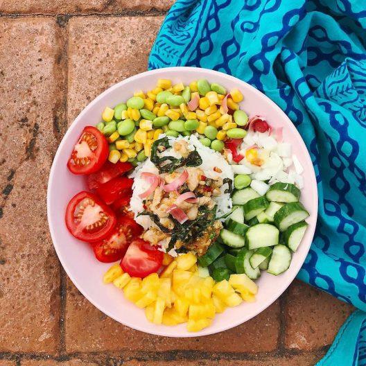 سرویس غذاخوری ایکیا رنگ صورتی مدل DINERA
